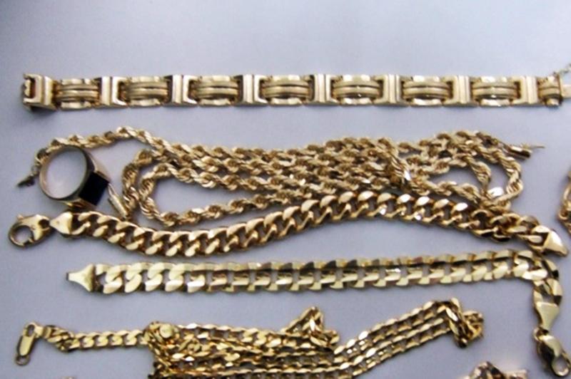 Откраднаха 500 грама злато от метален сейф