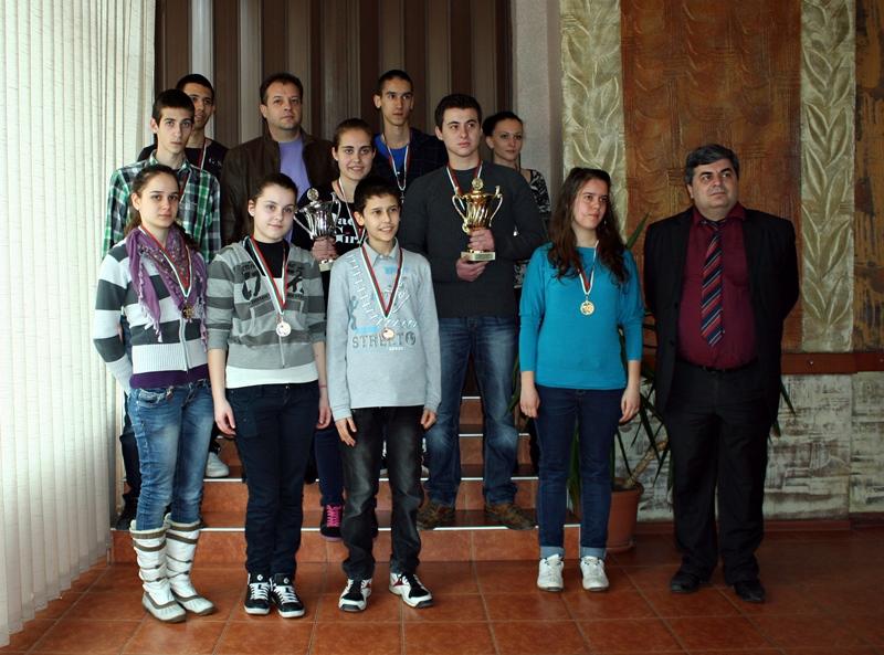 """Два бронзови медала за СКШ """"Плевен 21"""""""