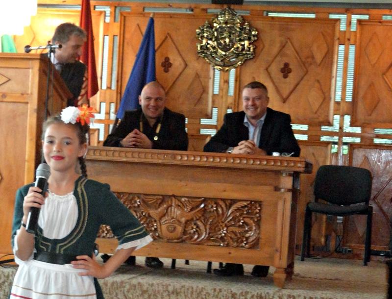 Областният управител уважи празника на Червен бряг