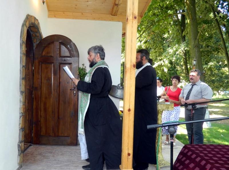 """Откриха параклис """"Свети Пророк Илия"""" в Кнежа"""