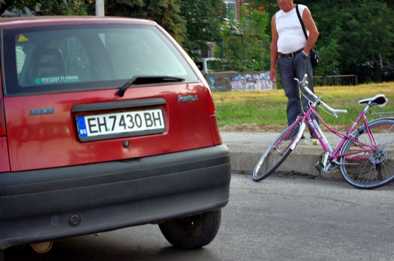 Блъснаха 36-годишна велосипедистка на Колелото
