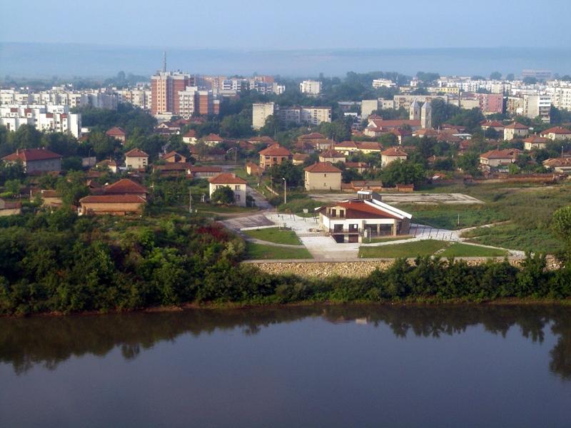 Спокойно върви изборният ден в община Белене