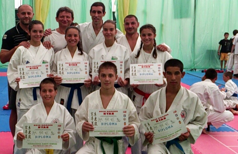 """6 медала за каратеките на КБИ """"Петромакс"""" на """"Аlbena open"""""""