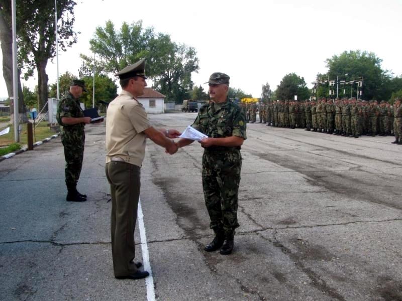 Командирът на Сухопътни войски уважи празника в Белене