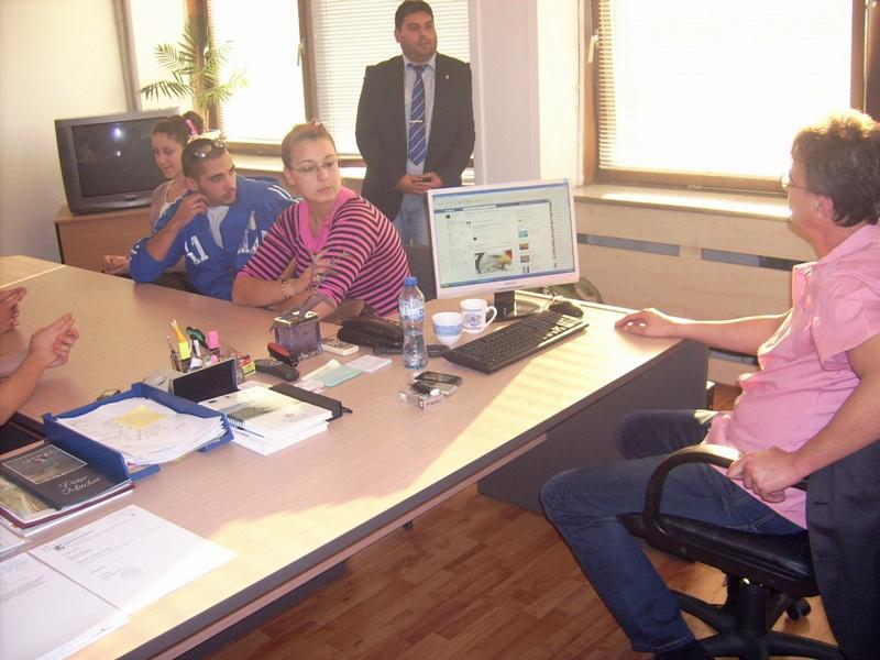 Наши ученици участваха в образователен форум в Крайова