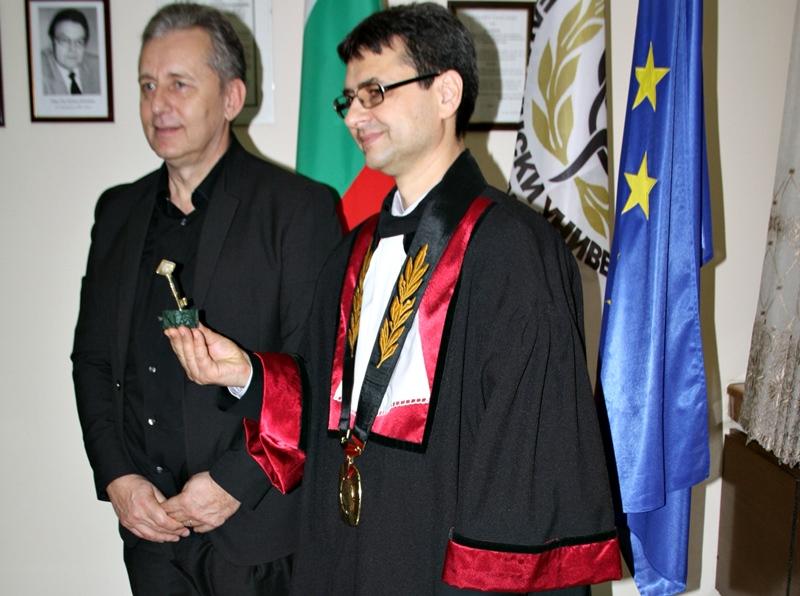 """Проф. Горчев става """"Почетен Ректор на МУ-Плевен"""" на тържествена церемония"""
