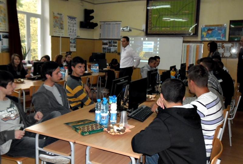 Македонски ученици се обучават по проект в Кнежа