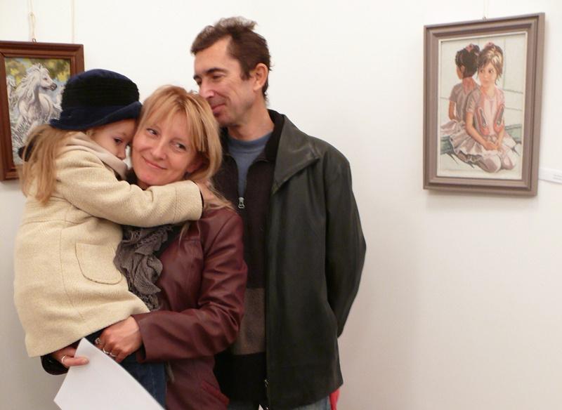 Майсторки на гоблена подредиха изложба в Левски за Деня на християнското семейство