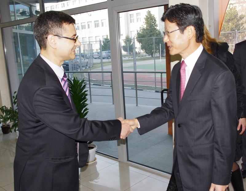 Посланикът на Корея се запозна с дейността на МУ – Плевен
