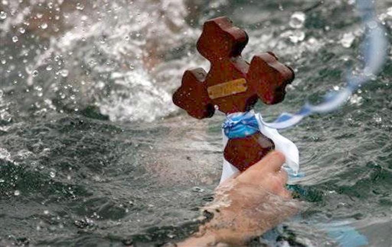 С литийно шествие и водосвет отбелязват Богоявление в Белене