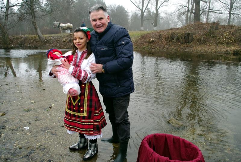 По уникален начин празнуваха Бабин ден в Садовец