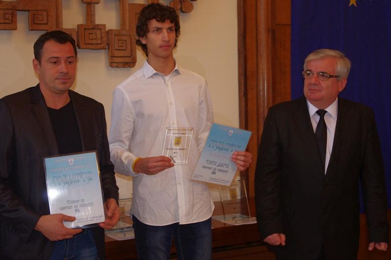 Плевенчанин е новият шампион на България в скока на височина!