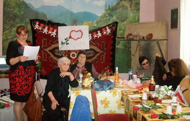 """С изложба, модно ревю и """"Море от любов"""" отбелязаха Осми март в Байкал"""