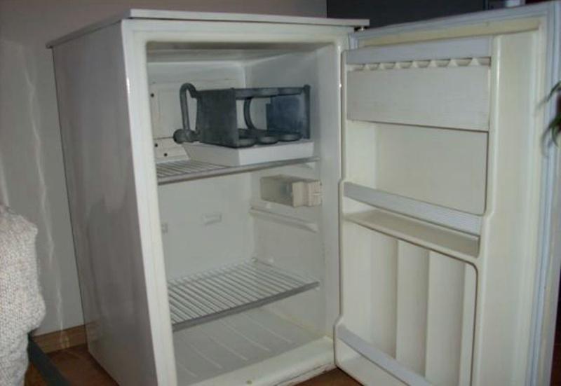 Крадени хладилник и фризер откриха в дома на жител на Радомирци