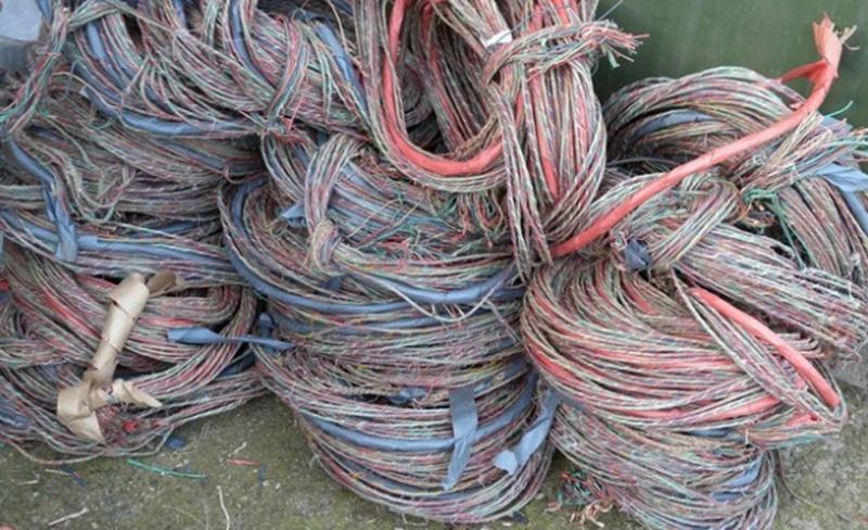 Русенец краде кабели в Обнова, хващат го на местопрестъплението
