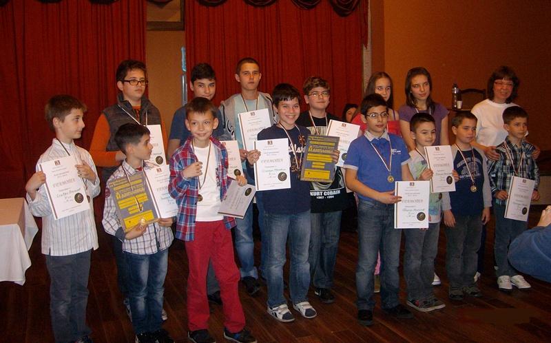 """Излъчиха 16-те финалисти от петия турнир на веригата """"Млад гросмайстор"""""""