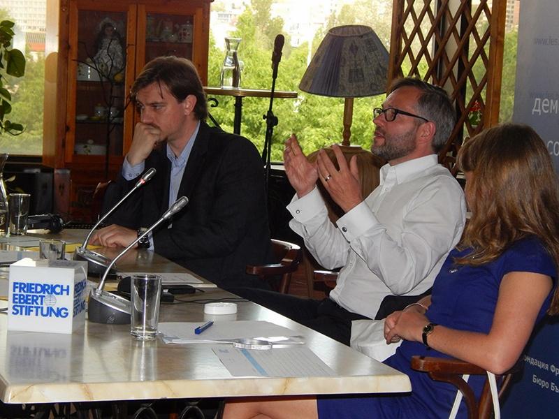Представител на МДЦ – Долна Митрополия участва в кръгла маса за ролята на гражданското общество
