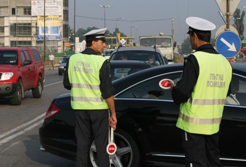 Пътна полиция засилва контрола за спазване на правилата за движение от шофьори и пешеходци