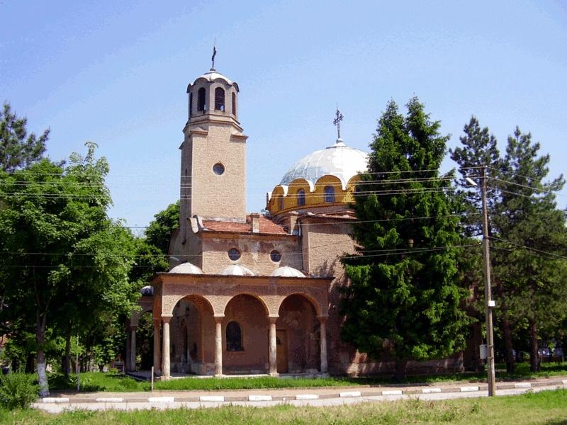 """Ремонтират църквата """"Свети Димитър"""" в Долна Митрополия"""