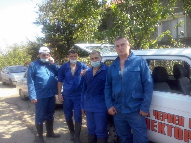 Служители на Община Червен бряг помогнаха на бедстващите жители на Мизия