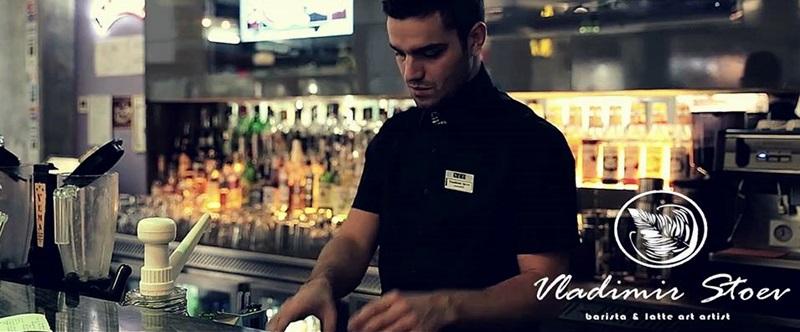 """Как се прави кафе по техниката """"бариста"""" показват в Гимназията по туризъм (видео)"""