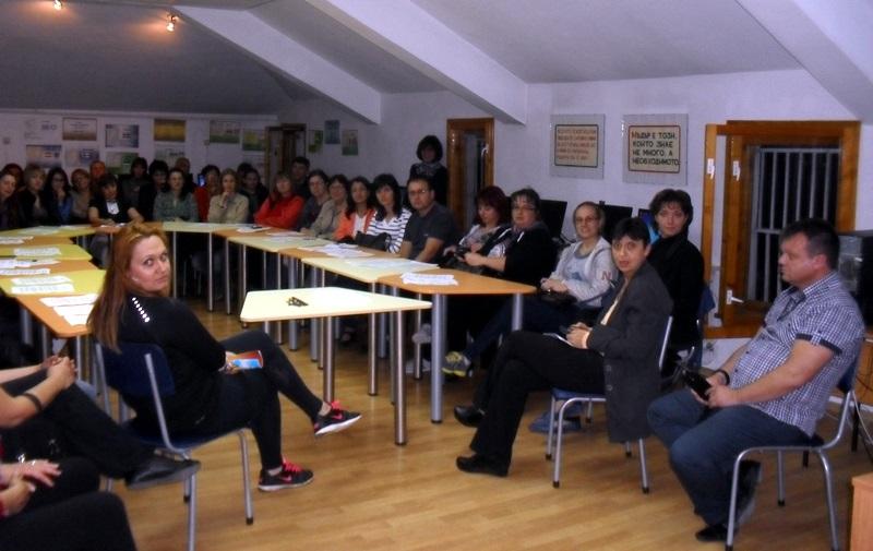 """Традиционното """"Училище за родители"""" се проведе в НУ """"Христо Ботев"""""""