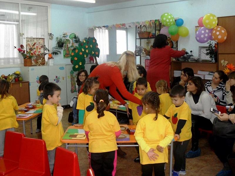 """Млади учители от областта проведоха тренинг в ОДЗ """"Първи юни"""" – Плевен (галерия)"""