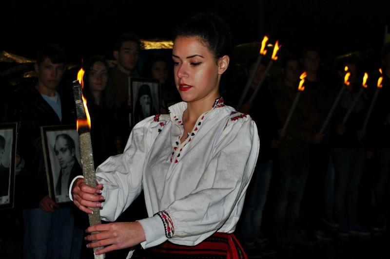 Невероятно факелно шествие на плевенски ученици! Има надежда! – /фото-галерия/