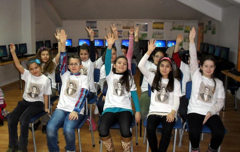 """Младите възрожденци от НУ """"Христо Ботев"""" показаха знания за делото на Апостола"""