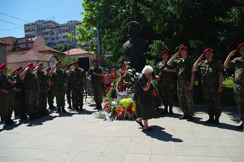 Плевен почете Ботев и всички герои, загинали за свободата на Отечеството ни! – фото-галерия