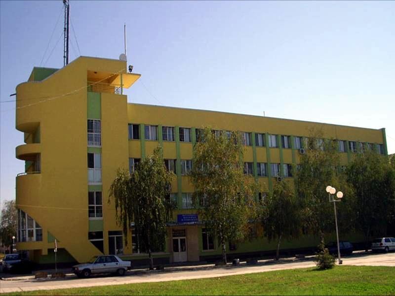 Инсталация за слънчева енергия монтират в МБАЛ – Гулянци по проект за над 300 000 евро