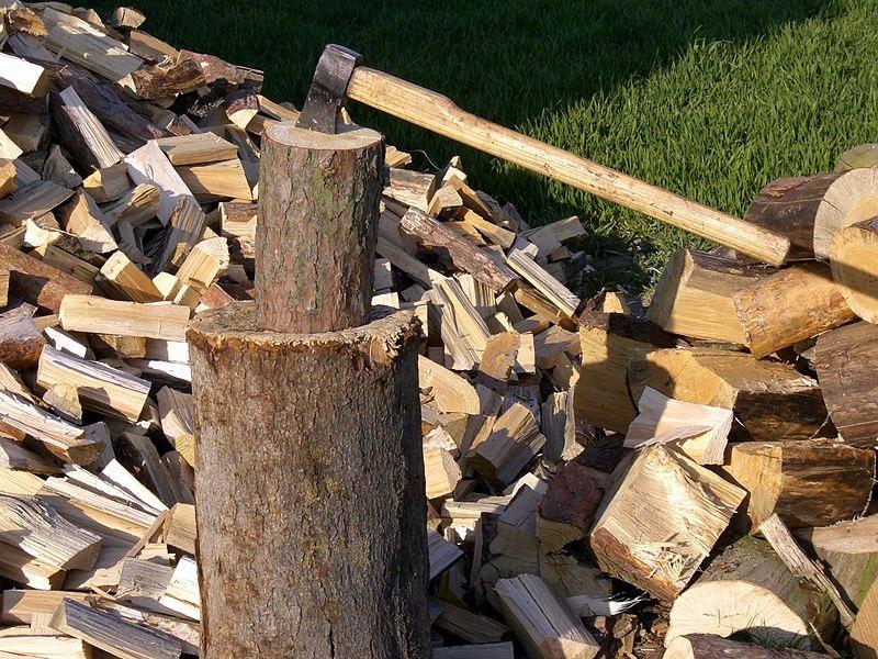 Откриха дърва без документи в имота на 69-годишен в Деков