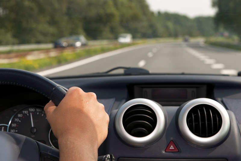 Двама неправоспособни шофьори спрени в Асеновци и Кнежа