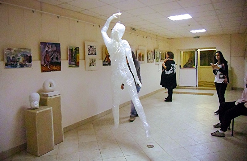 Ученици от НУИ – Плевен с изложба по повод 55-годишнината на школото