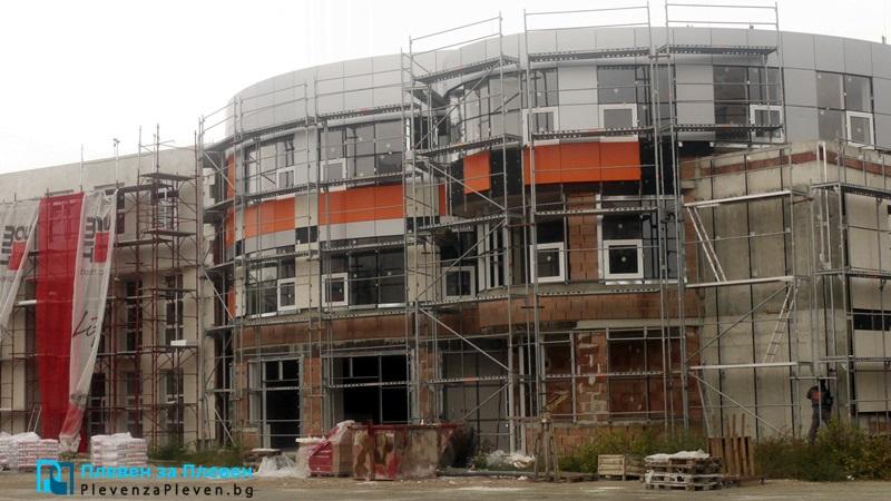 """До 2 месеца ще е готова сградата на факултет """"Фармация"""" при МУ-Плевен"""
