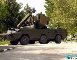 """Зенитно-ракетен комплекс """"Оса"""" и """"Пясъчна котка"""" паркират днес до Военния клуб в Плевен"""