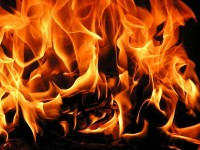 Къща горя в град Искър