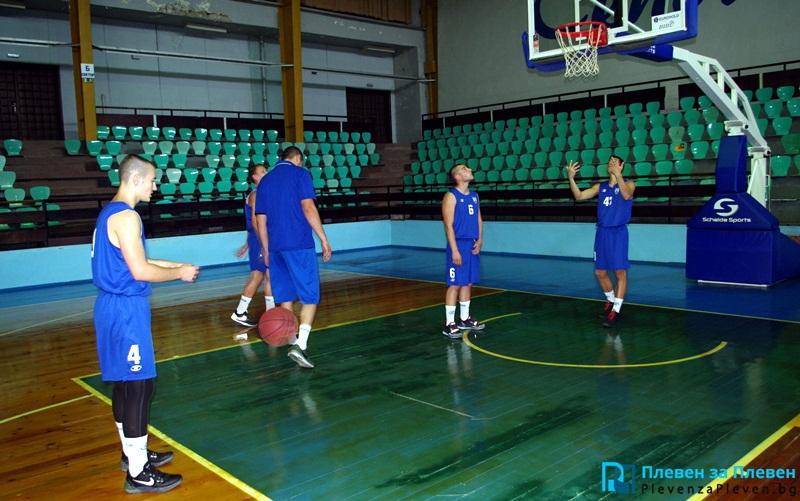 """Баскетболният """"Спартак"""" започва подготовка днес"""