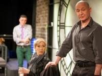 """Гледаме Христо Шопов днес на плевенска сцена в спектакъла """"Човек от Земята"""""""