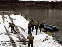 Военни от Белене възстановяват мост в землището на село Искър