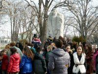 Внушително гражданско поклонение пред паметника на Апостола в град Левски
