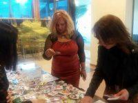 Над 500 лева събра за 3 дни Сдружението на сираците от продажба на мартеници в Плевен
