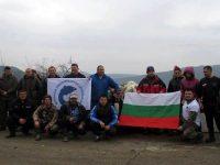 """Риболовци от Плевен се включиха в почистването на язовир """"Александър Стамболийски"""""""