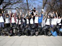 Музиканти и фенове ще чистят заедно в Плевен (видео)