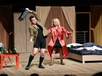 """Куп звезди гостуват на плевенска сцена с комедията """"Изневери в повече"""""""