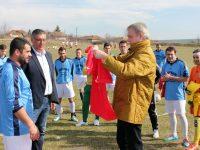 Румен Петков дари екипи на футболния отбор на Гривица