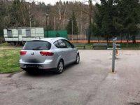 Въпрос: Редно ли е да се паркира така? Отговор: Да, но не за всеки….
