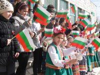 Тържествено честване на Националния празник на Република България в Гулянци