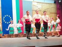 ПГ по туризъм спечели първо място в конкурс за народни танци