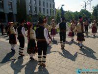 Плевен се включи във флашмоб по повод 80 години от написването на Дунавското хоро (снимки + видео)
